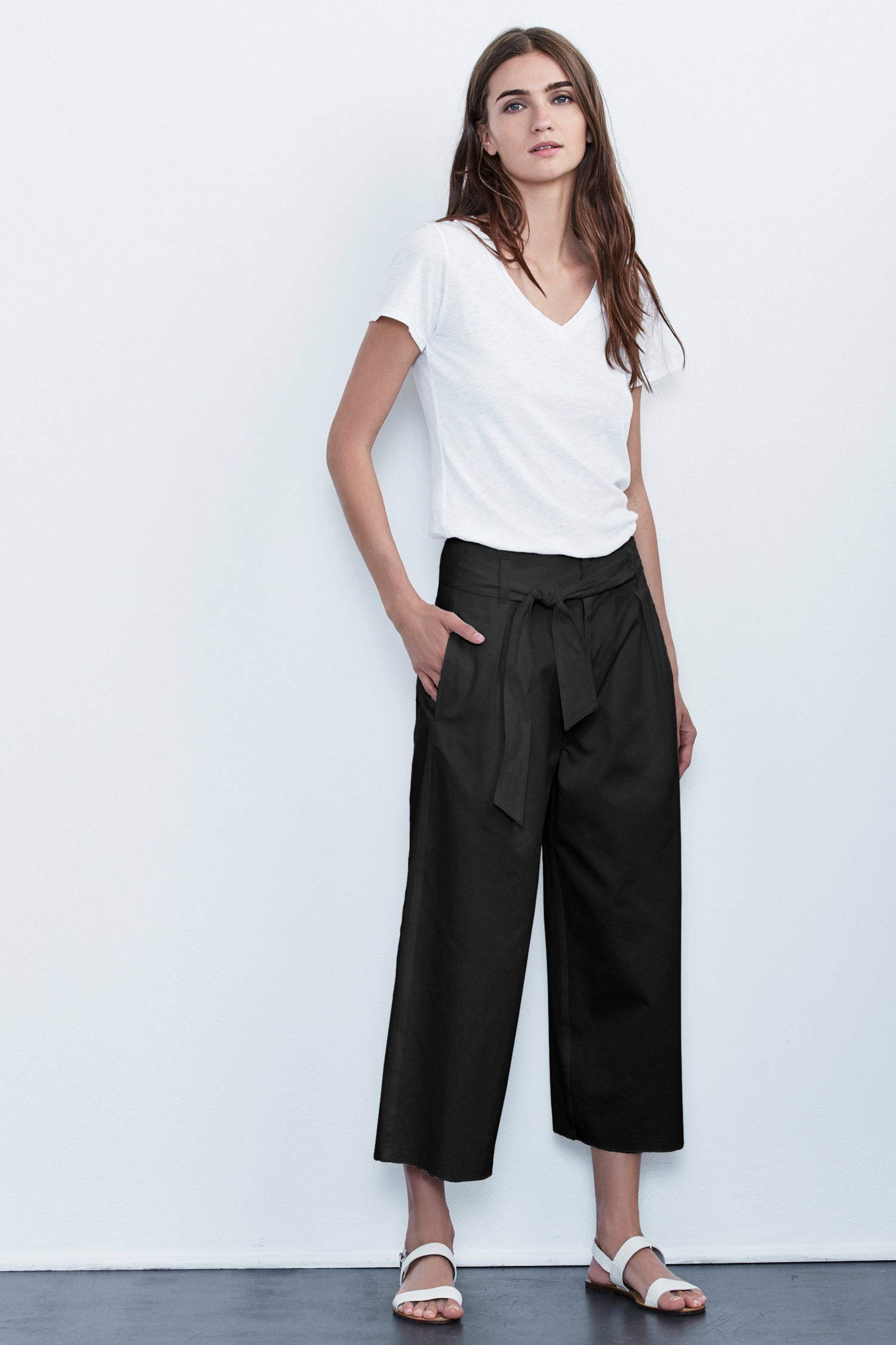 ARISA COTTON TWILL CROPPED WIDE LEG PANT IN BLACK