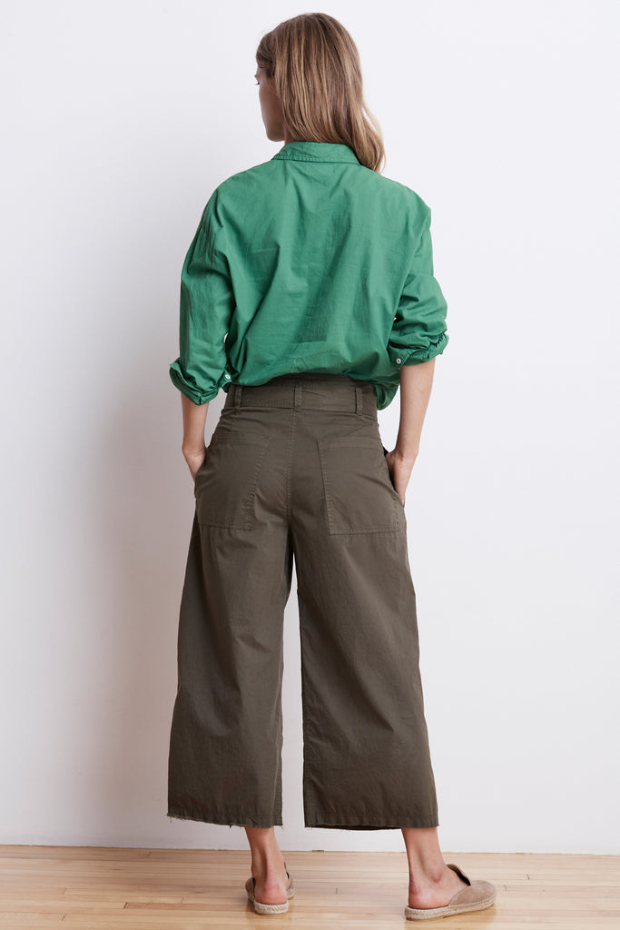 ARISA COTTON TWILL CROPPED WIDE LEG PANT IN THICKET