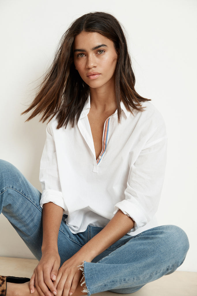GINA WOVEN COTTON POPOVER SHIRT IN WHITE