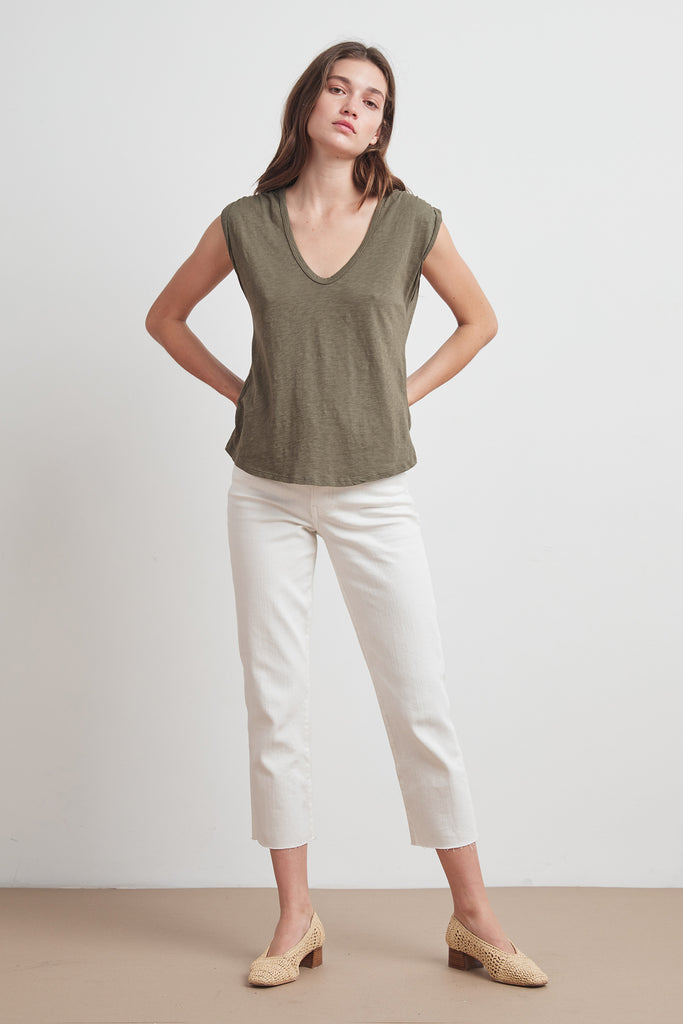 JAYDEN COTTON SLUB SCOOP NECK TEE IN CAPER
