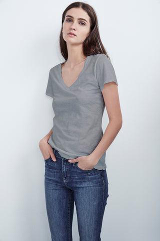 LILITH COTTON SLUB V-NECK TEE IN HEATHER GREY
