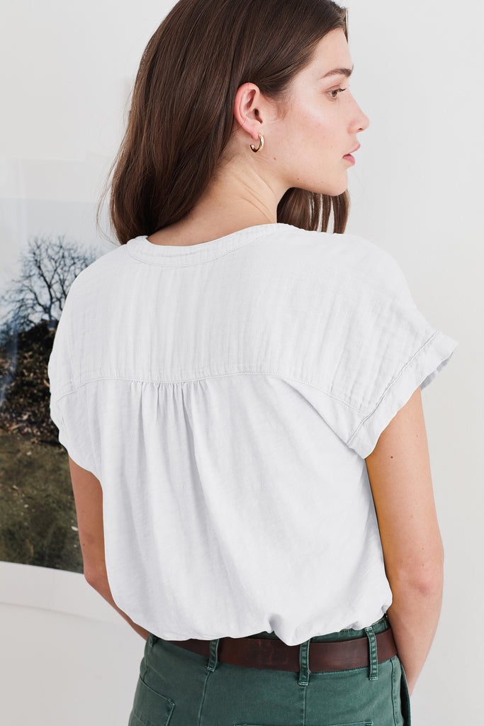 MAE CONTRAST COTTON HALF PLACKET BLOUSE IN WHITE