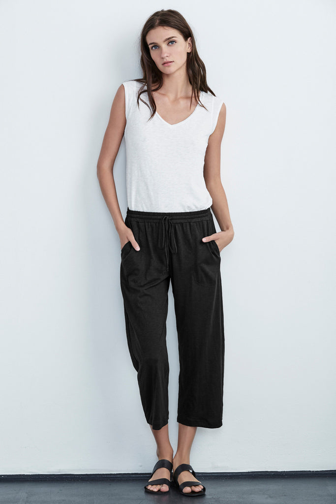 PHOEBE COTTON SLUB CROPPED PANTS IN BLACK