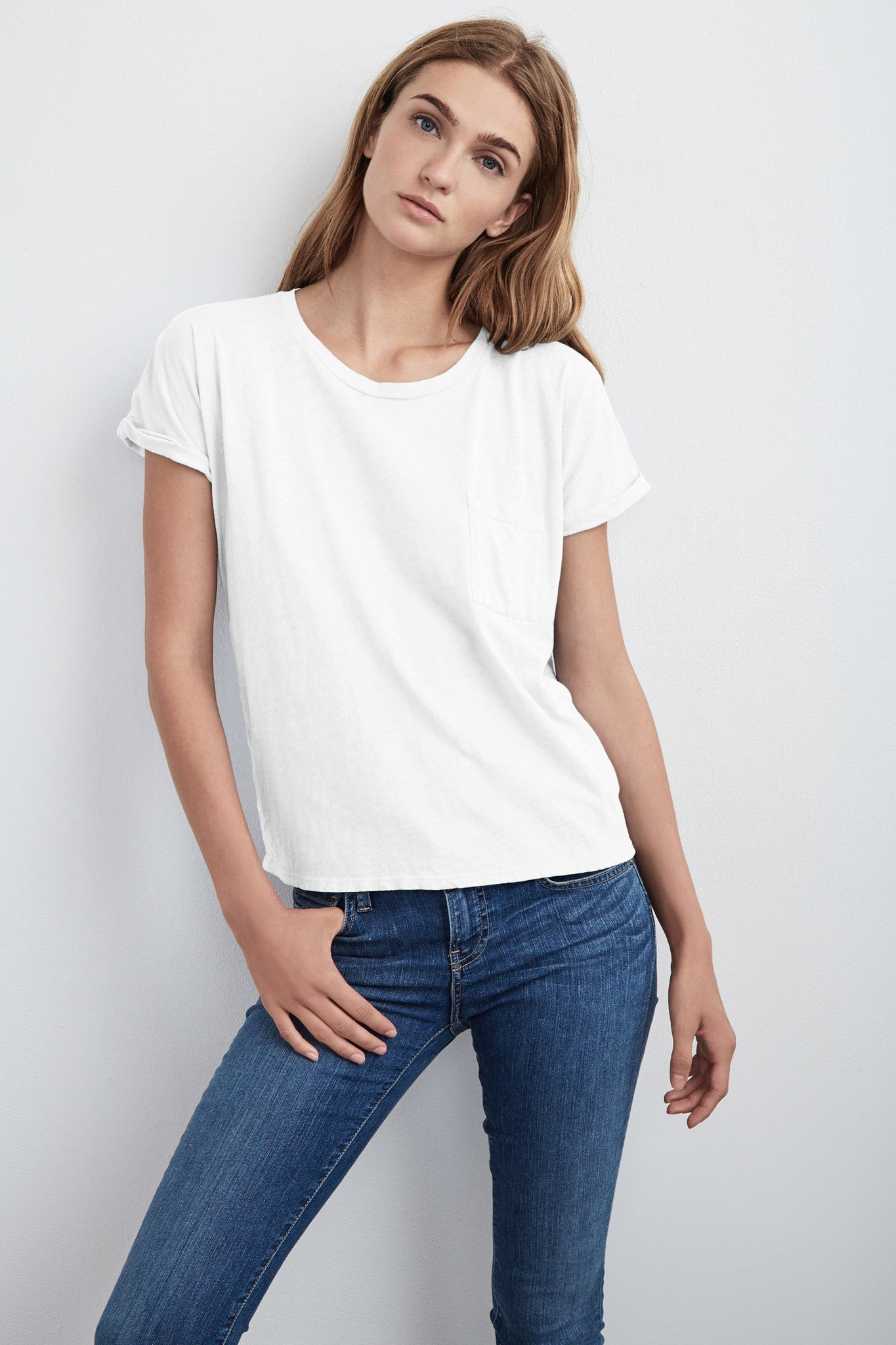 ALICE ROLL SLEEVE TEE IN WHITE