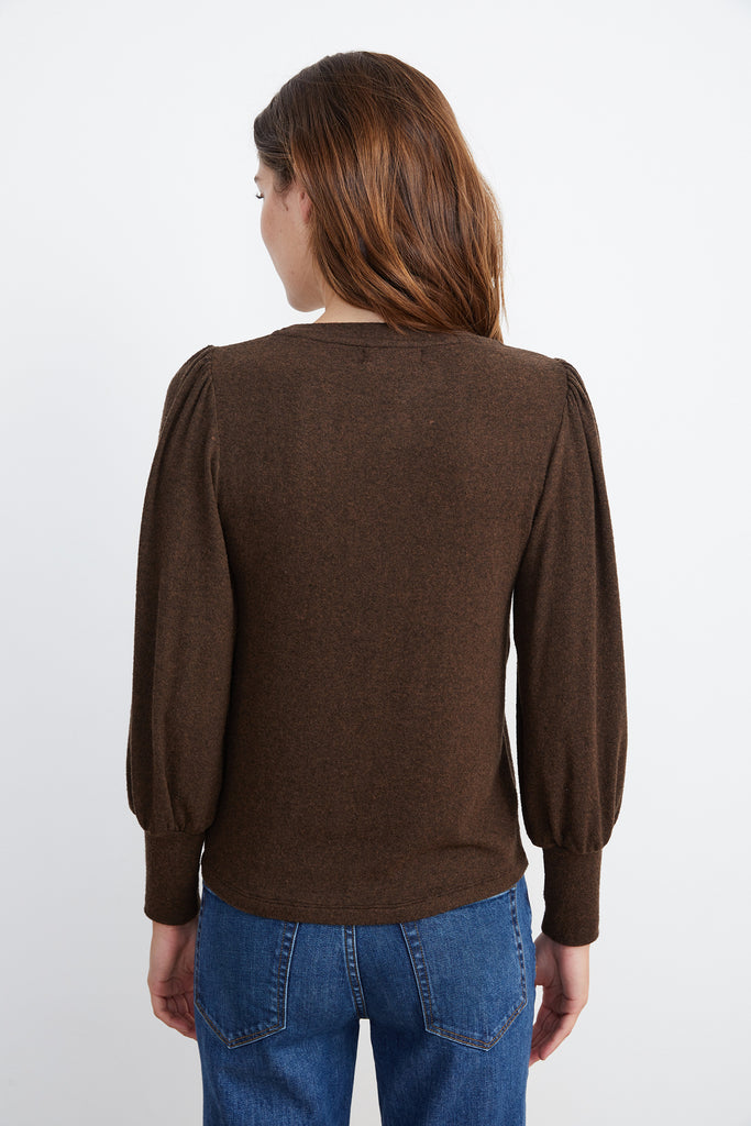 SELA COZY LUX TOP IN CHOCOLATE