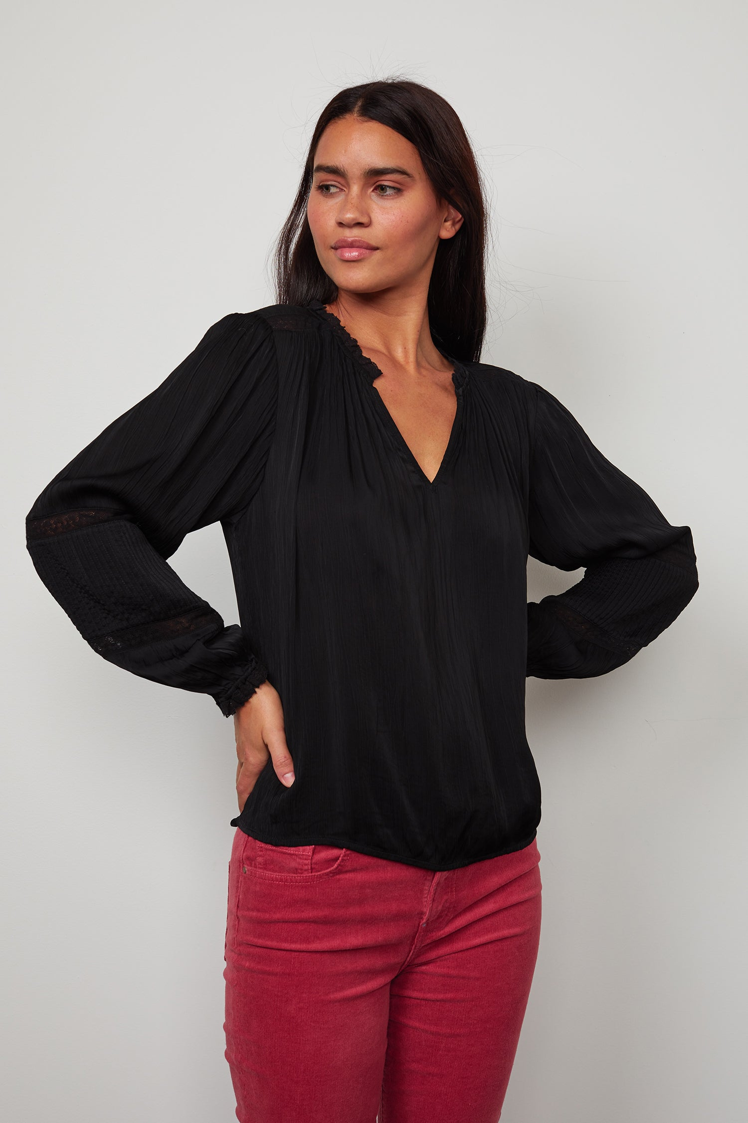 KIMMIE CRINKLE VISCOSE LACE PEASANT BLOUSE IN BLACK