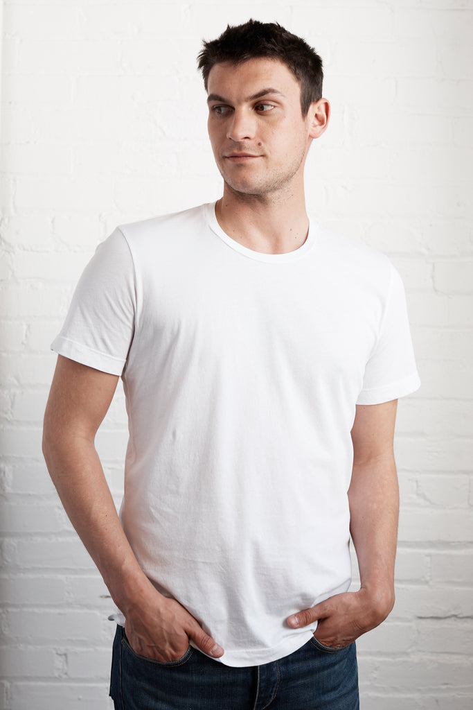 HOWARD WHISPER CLASSIC CREW NECK TEE IN WHITE
