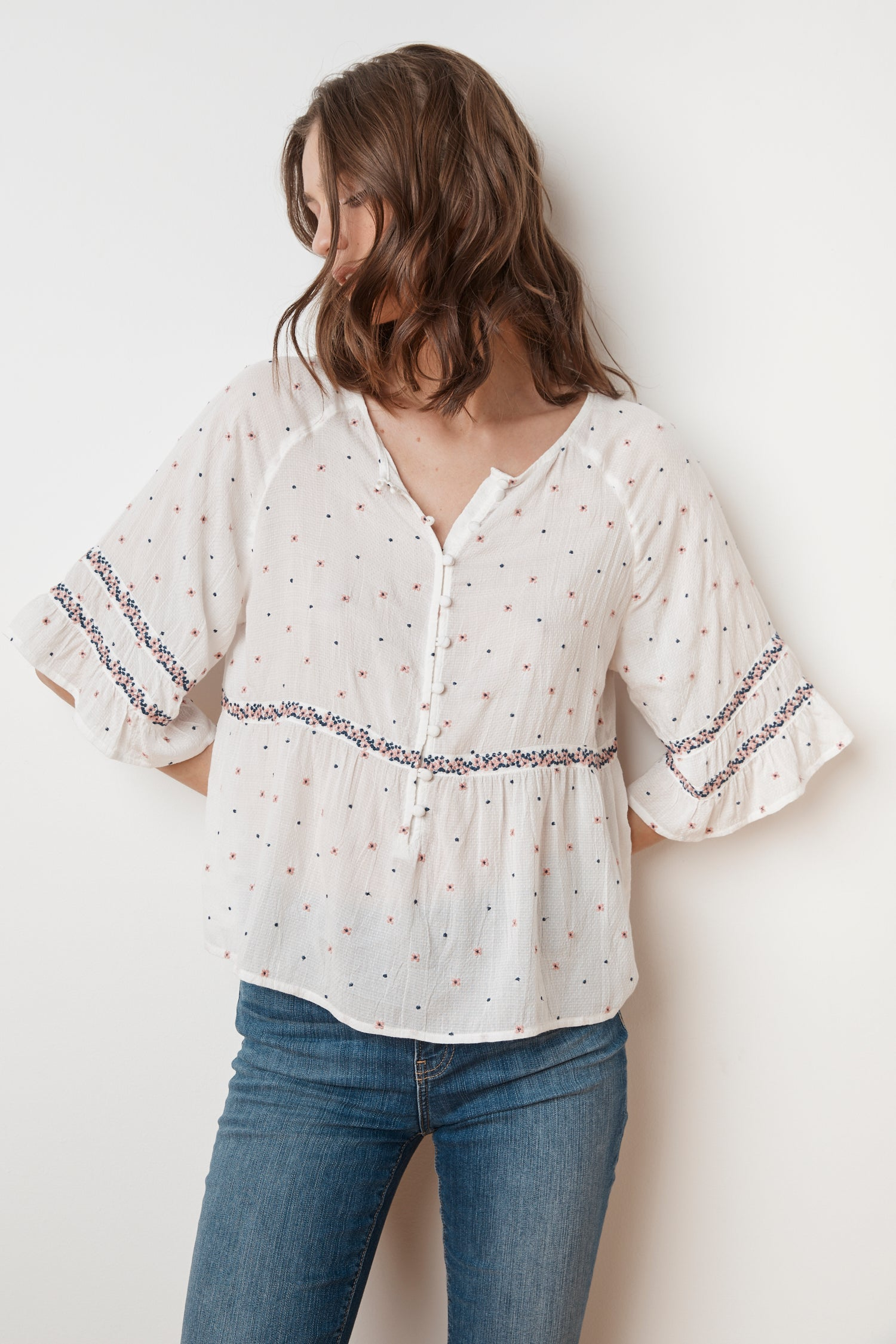 LINNEA FLORAL EMBROIDERED BUTTON BLOUSE IN MULTI