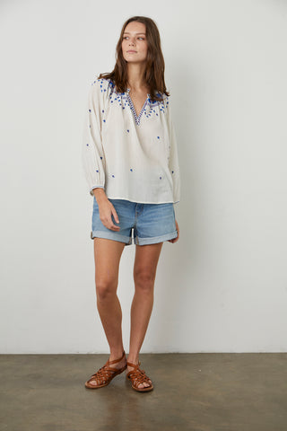 LYNETTE EMBROIDERED BLOUSE IN OFF WHITE