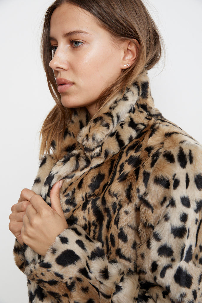 JULIANA LEOPARD PRINT FAUX FUR JACKET IN LEOPARD