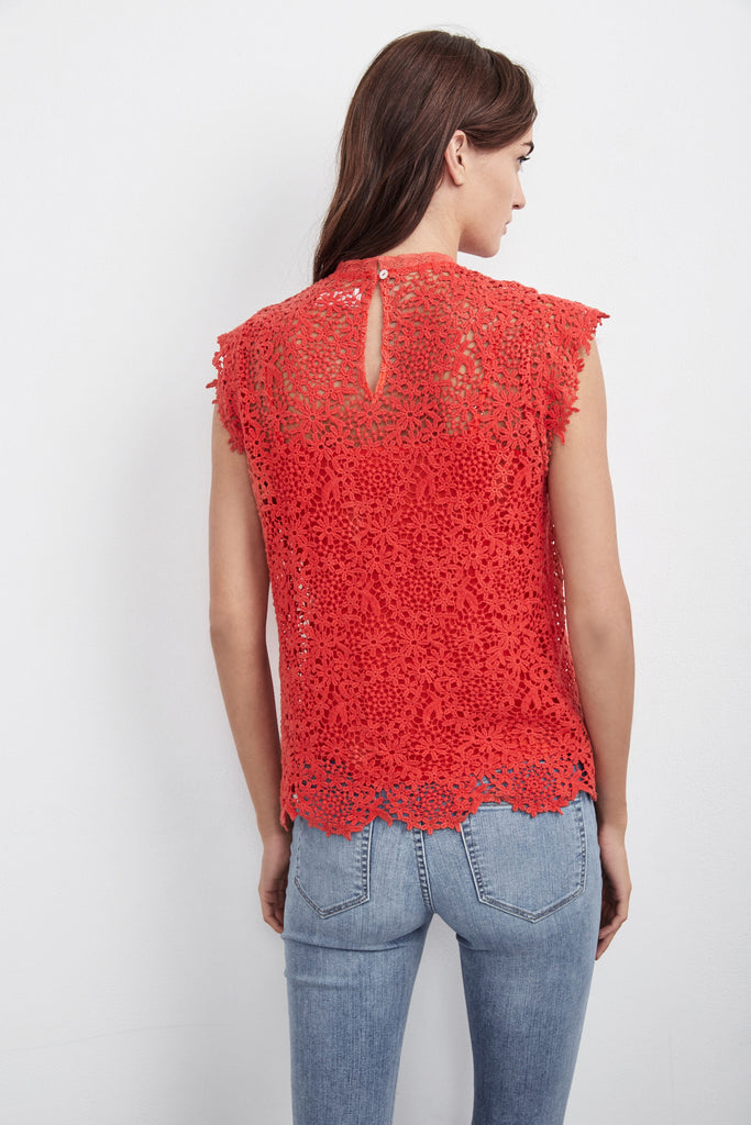 ALLIE LACE CAP SLEEVE TOP IN RED