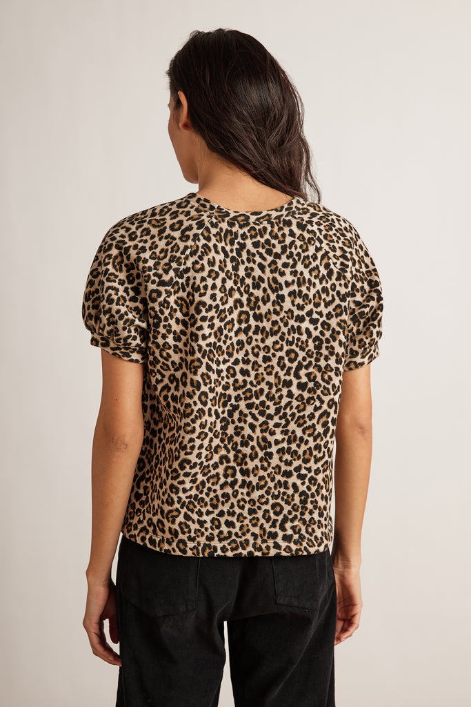 ASHLYN LEOPARD FLEECE TOP IN LEOPARD