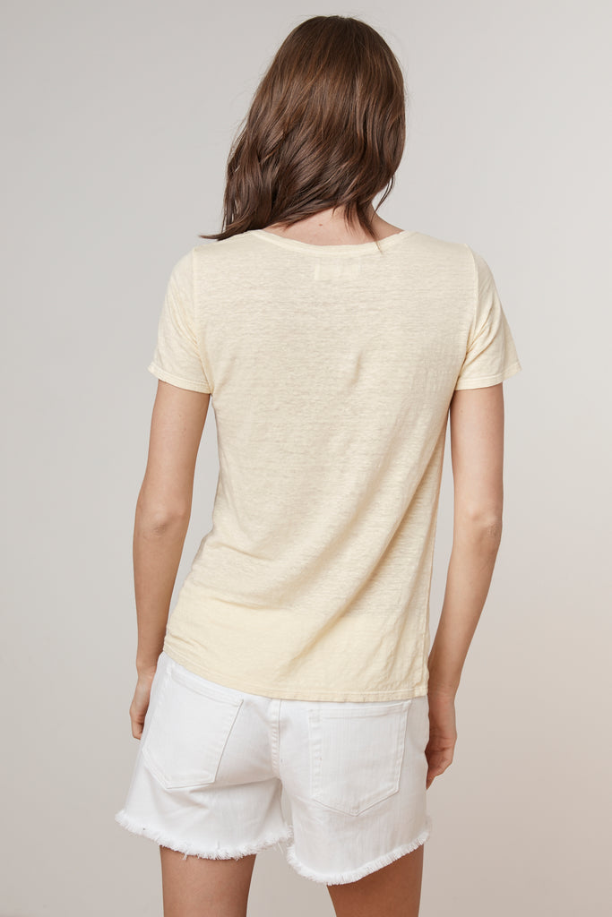 LAWANA LINEN KNIT V-NECK TEE IN TART