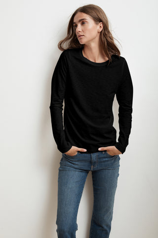 LIZ LONG SLEEVE ROUND NECK TEE IN BLACK