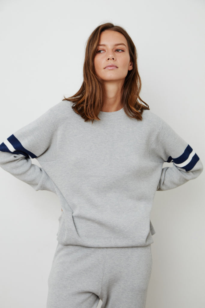KENNA CREW NECK SWEATSHIRT IN HEATHER GREY