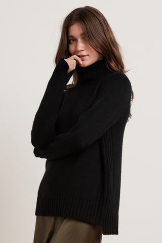 TARYN LUX CASHMERE BLEND TURTLENECK IN BLACK