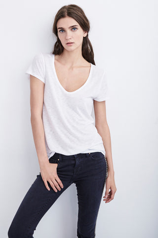 DREE LUXE SLUB SCOOP NECK TEE IN WHITE