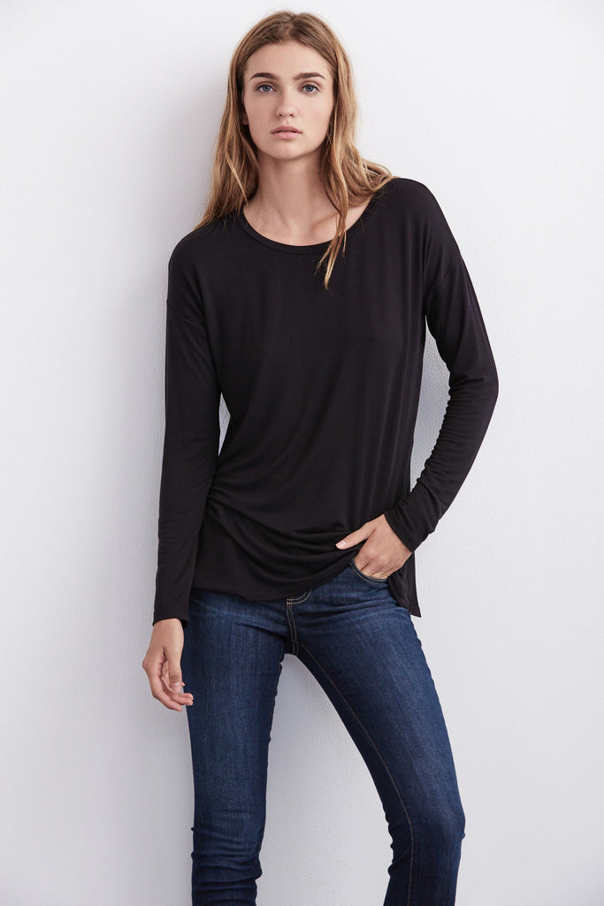 ALEXANDRA SPLIT SEAM TOP IN BLACK