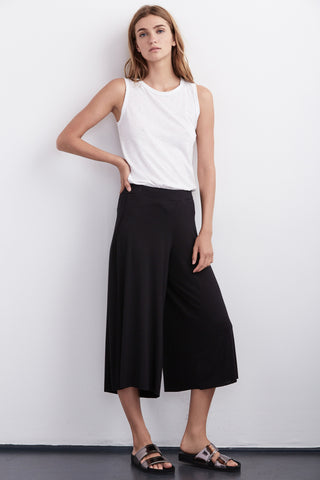 DAJON CROPPED KNIT PANTS IN BLACK