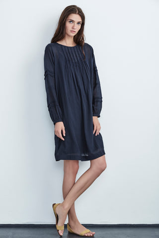 COEL COTTON VOILE PINTUCK DRESS IN NAVY