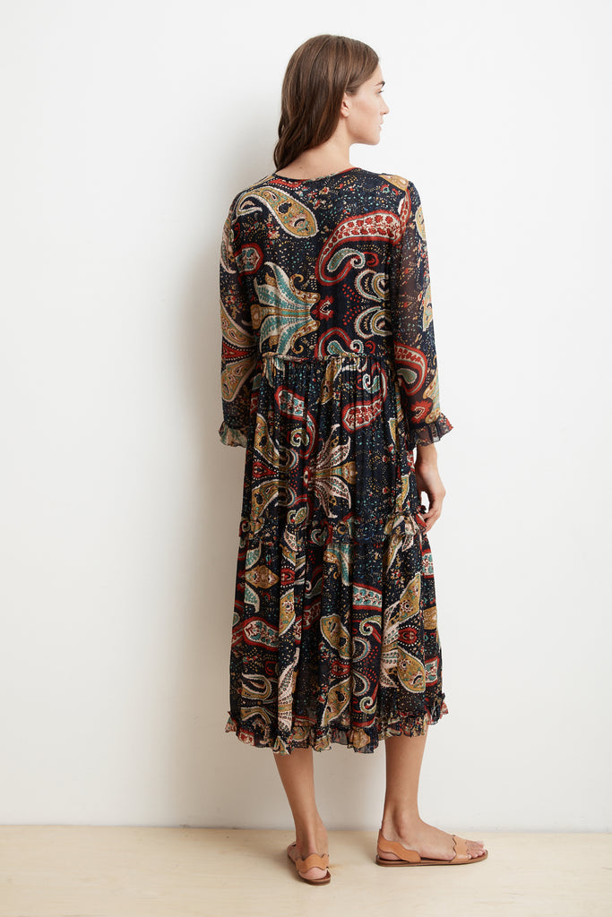 GLIMMER TIERED DRESS IN PAISLEY