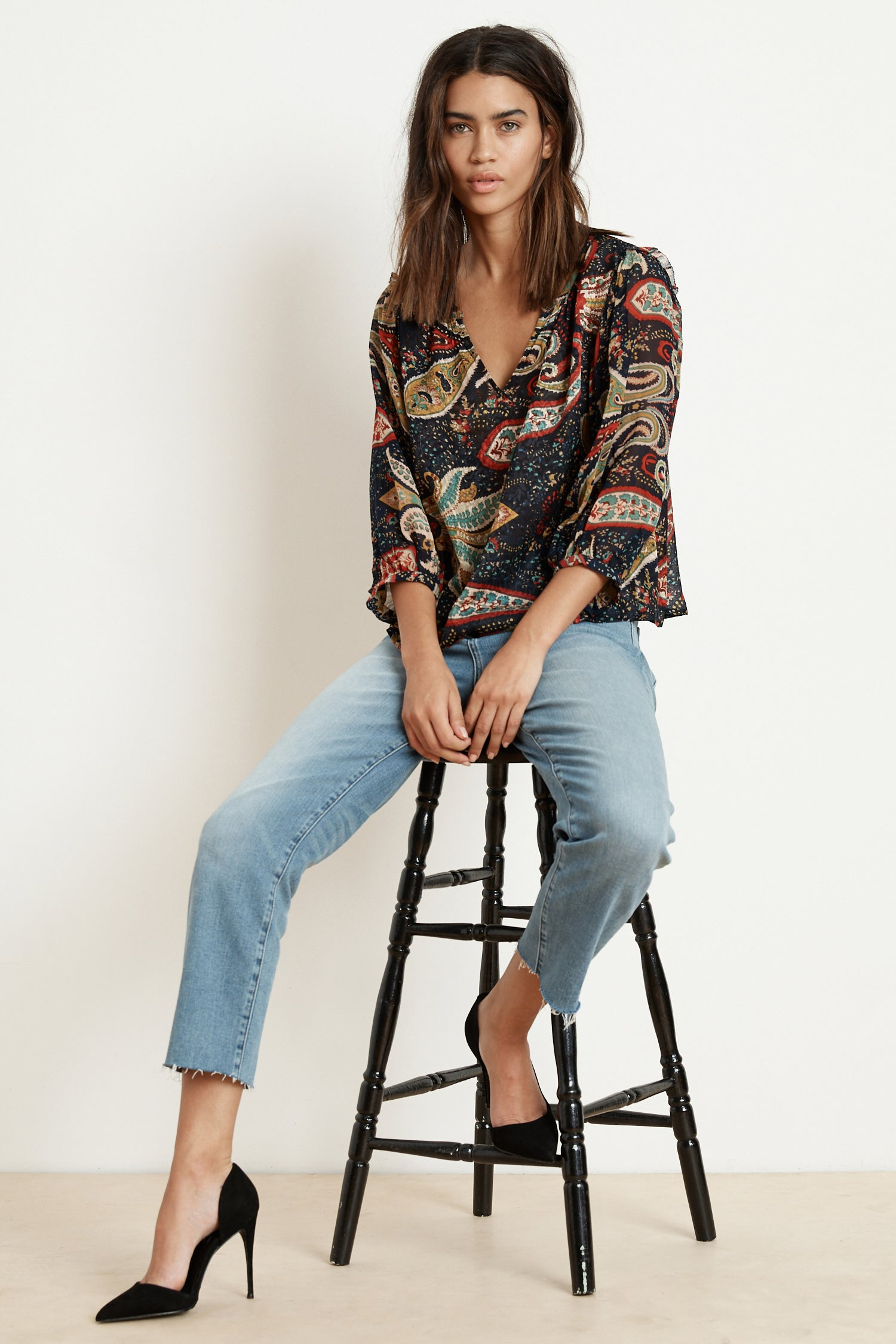 PAOLA PAISLEY V-NECK BLOUSE IN PAISLEY