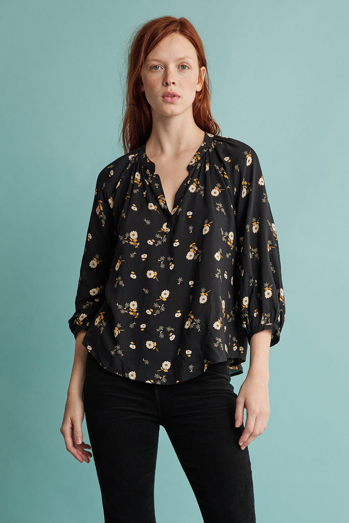 BRIANA PRINTED CHALLIS BLOUSE IN JASMINE