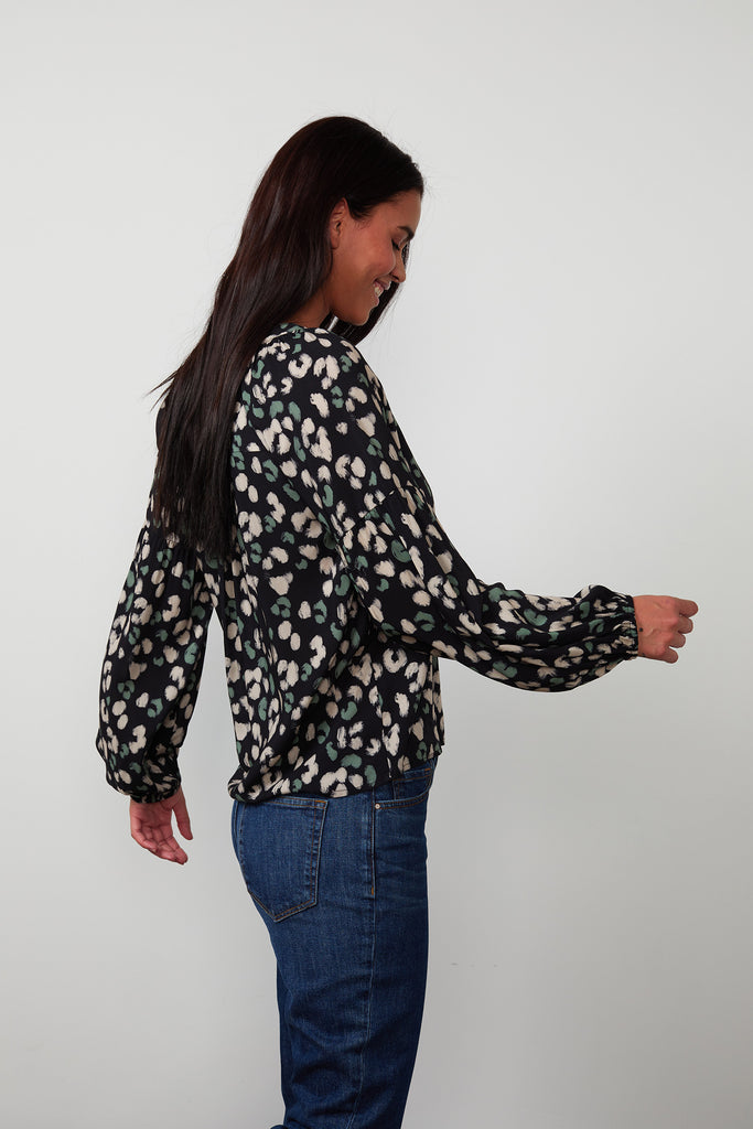 LILIAN PRINTED CHALLIS PEASANT BLOUSE IN SNOW LEOPARD