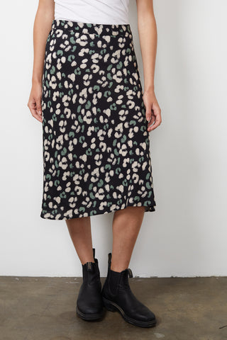 MOANNA PRINTED CHALLIS SKIRT IN SNOW LEOPARD