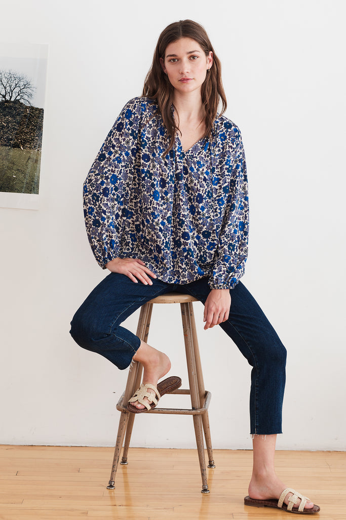 NAOMI PRINTED CHALLIS BLOUSE IN BLUEBELL