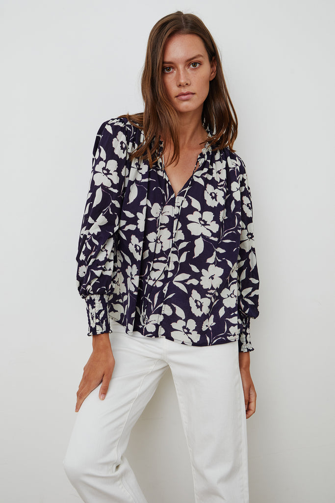 ANISSA PRINTED BLOUSE IN NAVY