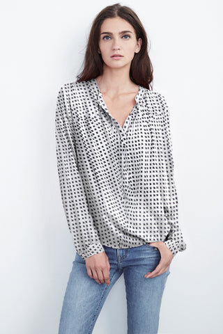 JENA HALF-PLACKET CHALLIS TOP IN BISQUE