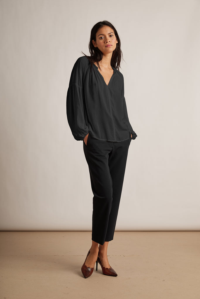 ELAINE RAYON CHALLIS BLOUSE IN BLACK
