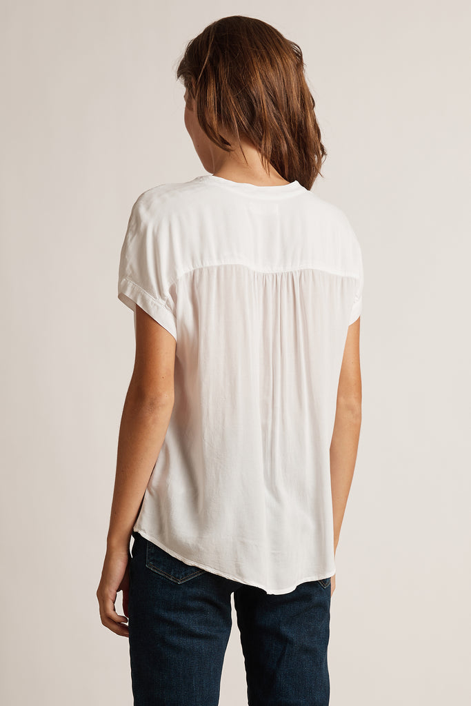 KRISTIN RAYON CHALLIS BLOUSE IN WHITE
