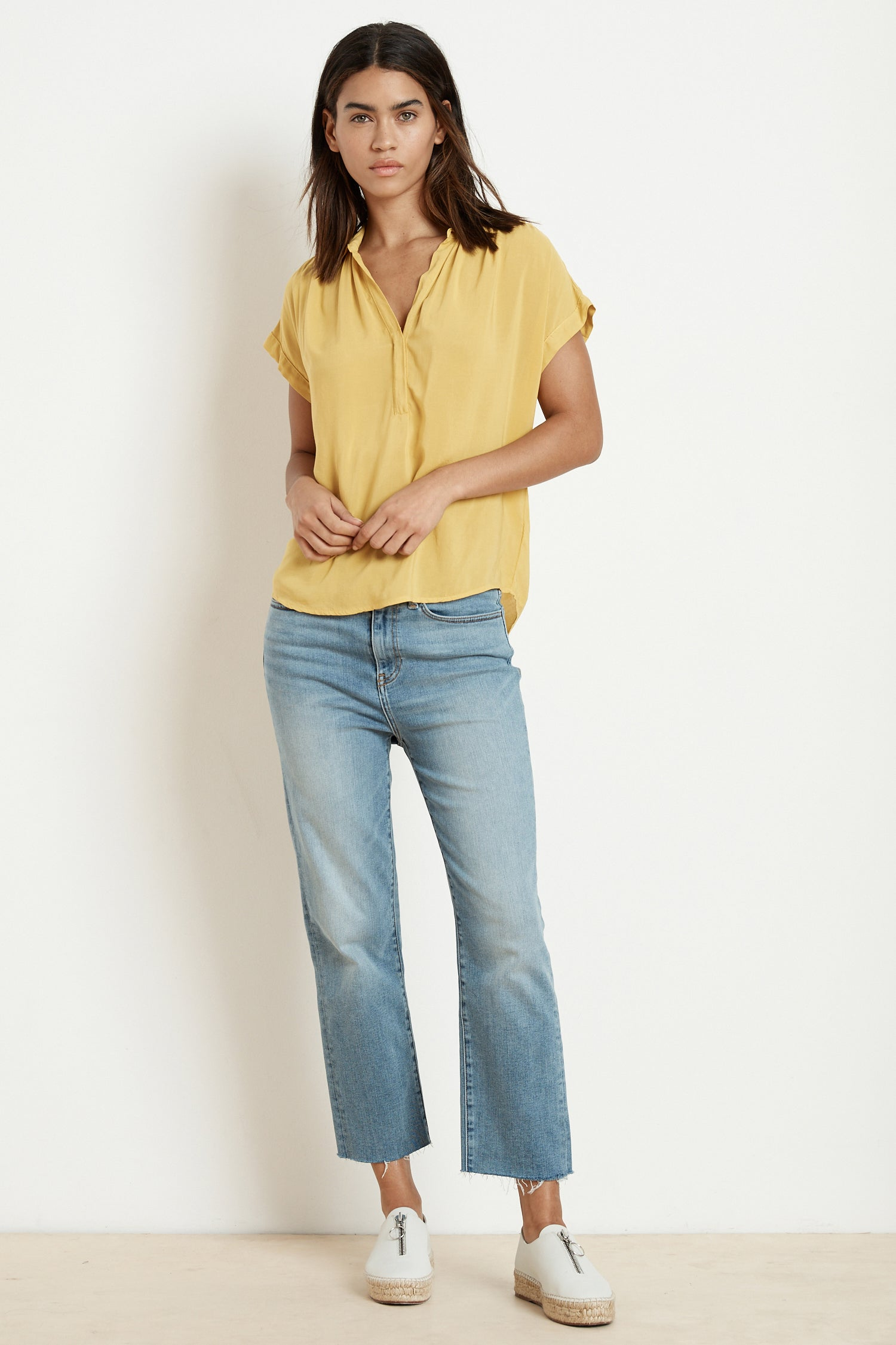 TAYLEN RAYON CHALLIS SHORT SLEEVE BLOUSE IN CANARY