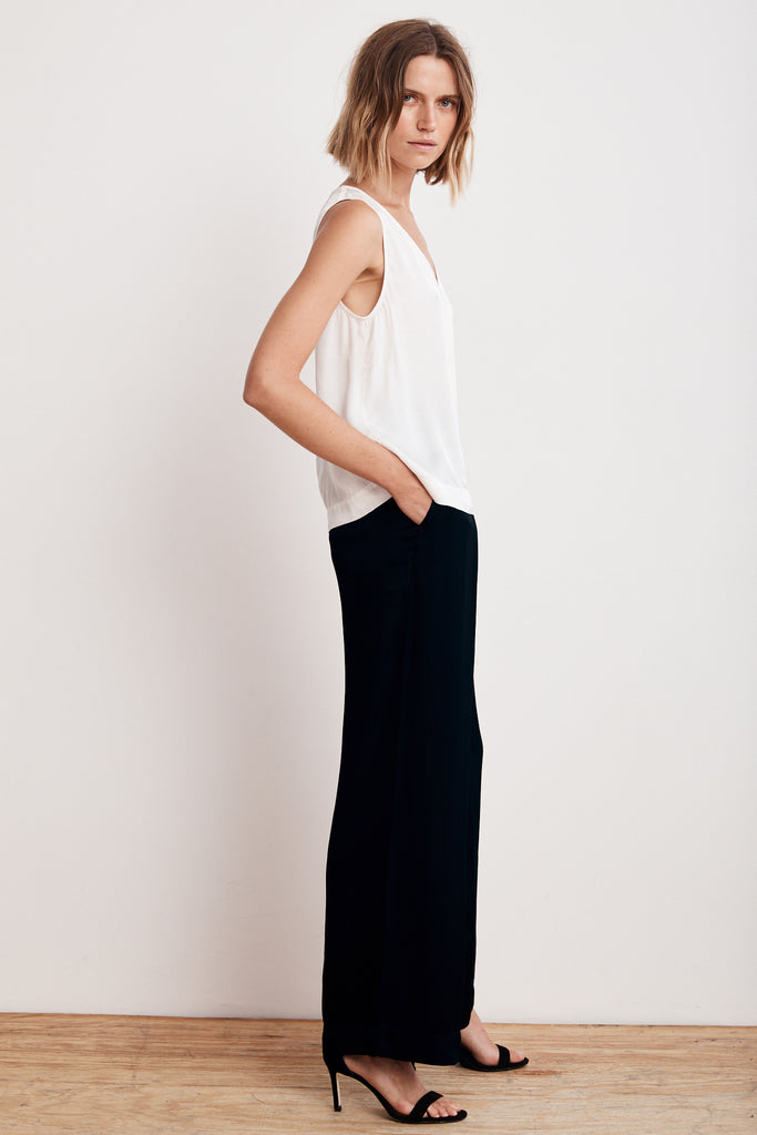 LIVI SATIN VISCOSE WIDE LEG PANT IN NIGHT
