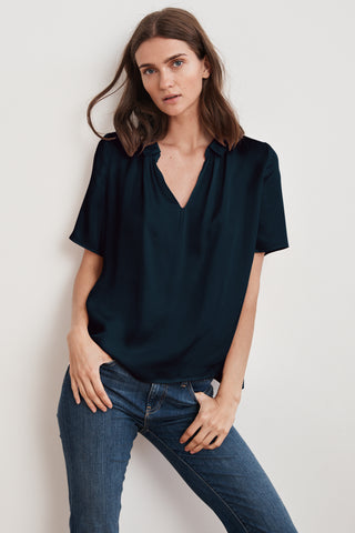 PRUDY SATIN VISCOSE COLLARED SHORT SLEEVE TOP IN NIGHT