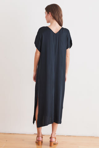 SHAE SATIN VISCOSE KAFTAN DRESS IN ASH