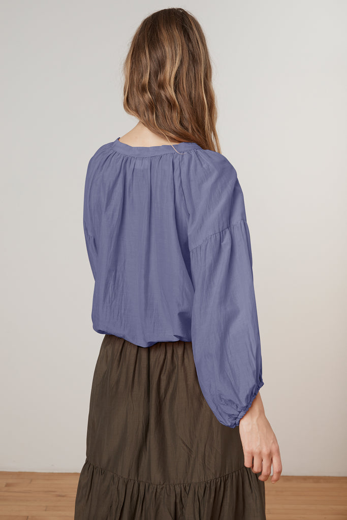 TAMMIN SILK COTTON VOILE TIE PEASANT TOP IN SERENITY