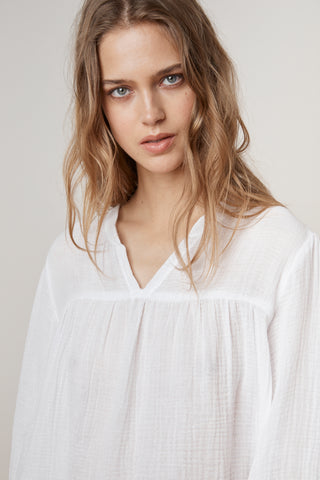 MIFFY SOFT COTTON GAUZE PEASANT TOP IN WHITE