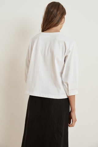 AVIE STRUCTURED COTTON 3/4 SLEEVE TOP IN WHITE
