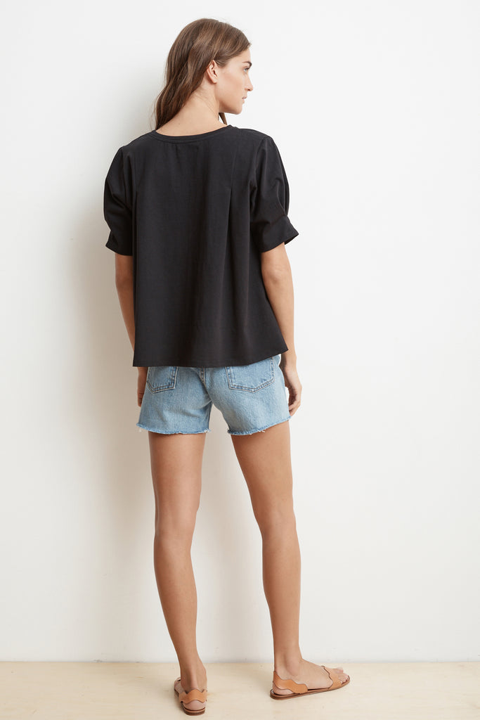 BENITA STRUCTURED COTTON SHORT SLEEVE CREW NECK TOP IN BLACK