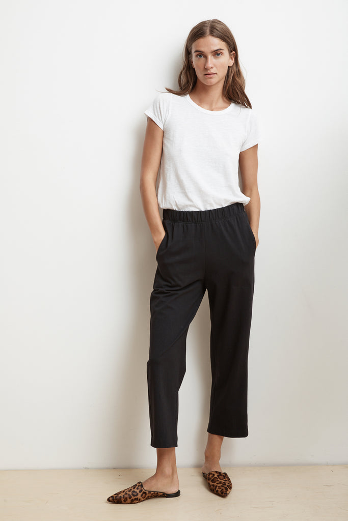 CARLOTTA STRUCTURED COTTON CROPPED PANT IN BLACK