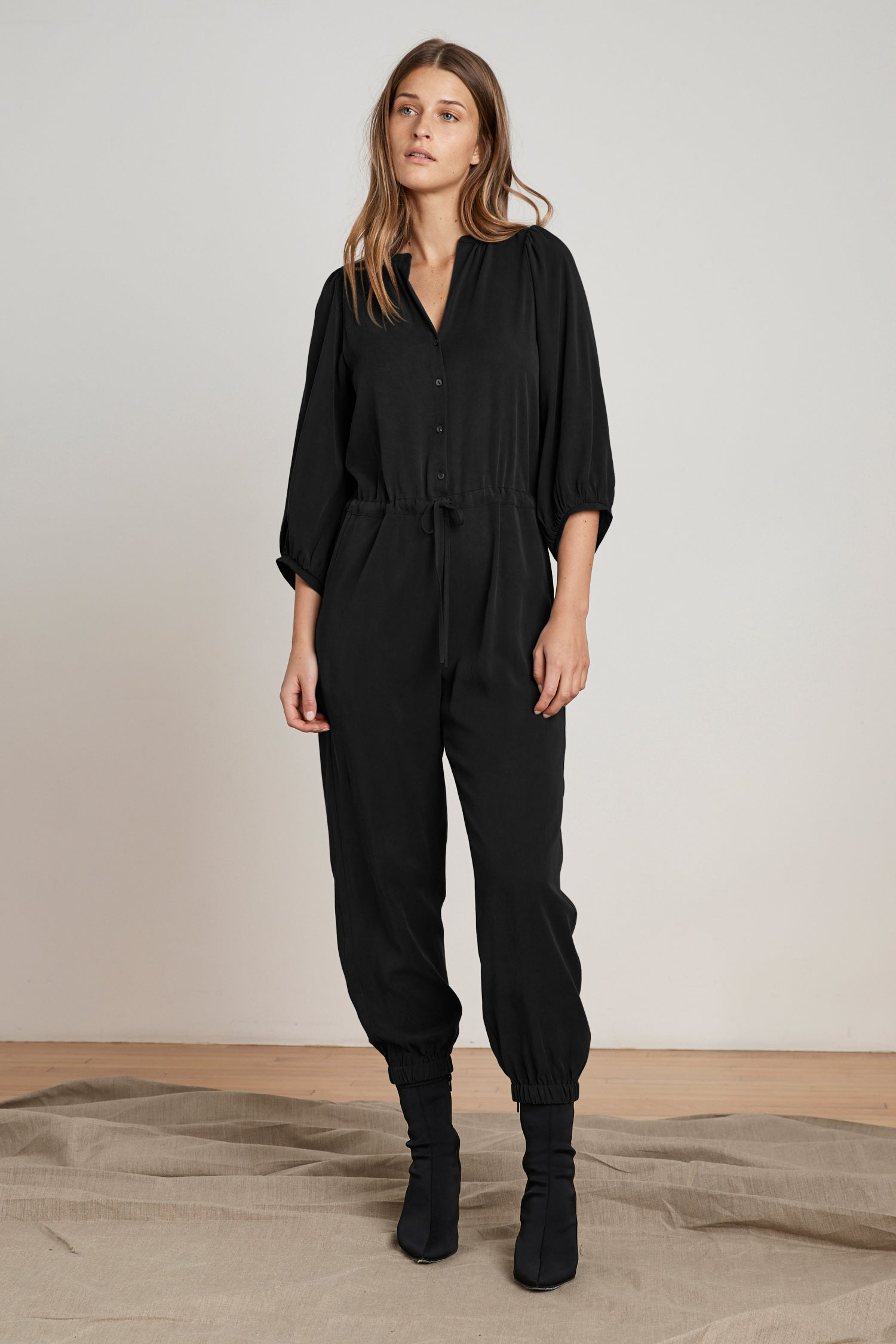 HARPER PUFF SLEEVE TENCEL JUMPSUIT IN BLACK