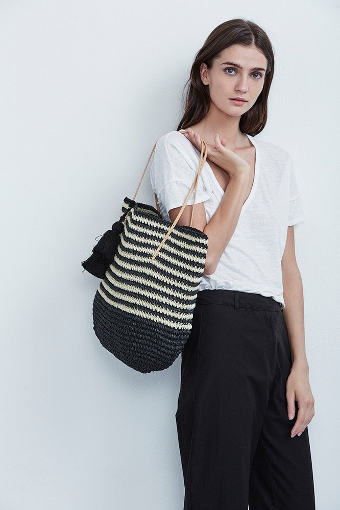 ISABELLE STRAW TOTE IN BLACK