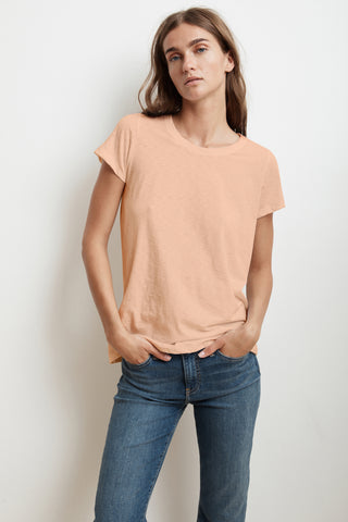 TRESSA SHORT SLEEVE CREW NECK TEE IN CRUSH