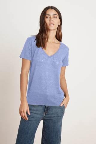 LAWANA LINEN KNIT V-NECK TEE IN DALI