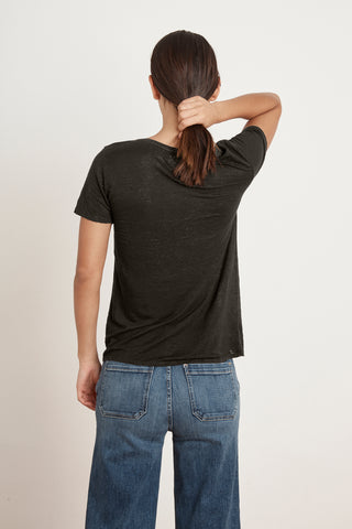 LAWANA LINEN KNIT V-NECK TEE IN CAVIAR