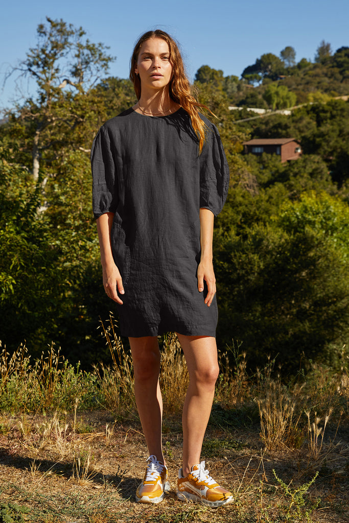 DEVON WOVEN LINEN PUFF SLEEVE DRESS IN BLACK