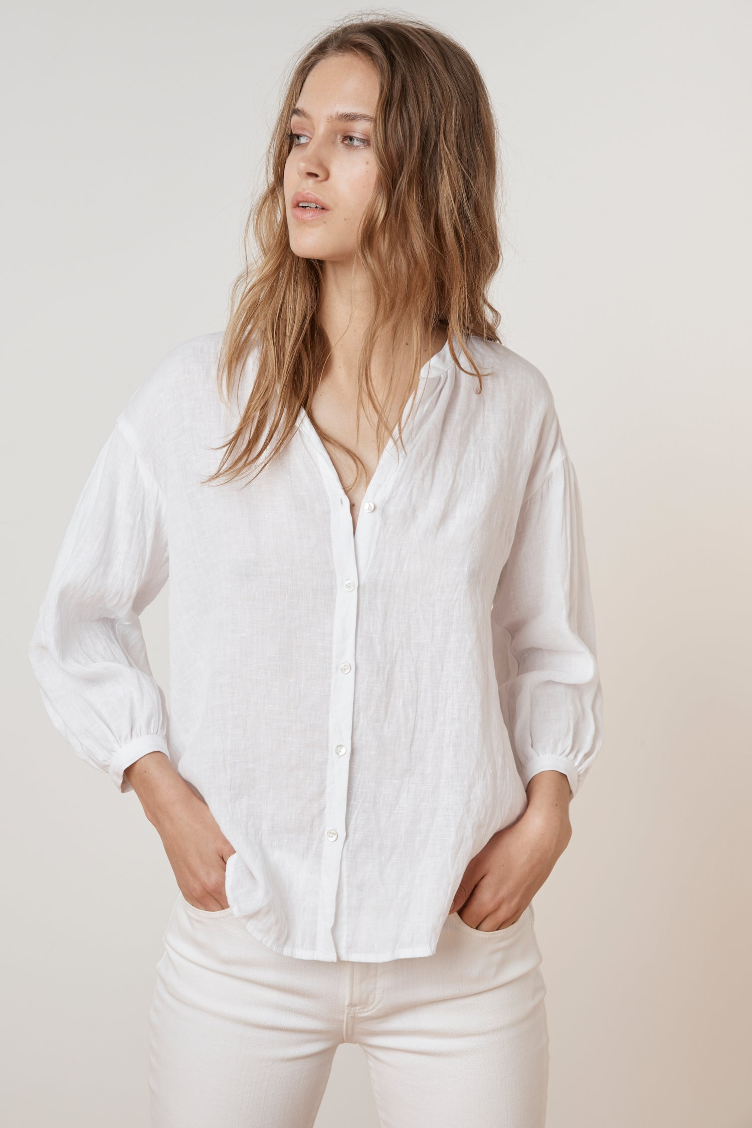 MATEA WOVEN LINEN BUTTON UP BLOUSE IN WHITE